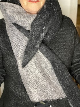 Dikke grijze viscose sjaal