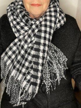 Zwart/wit geblokte sjaal